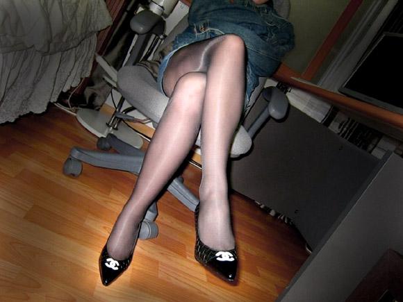 お姉さんの脚