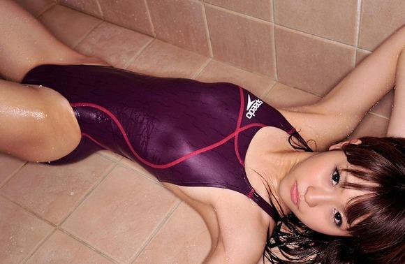 競泳水着の股間画像024