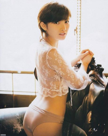 AKB岡田奈々のグラビア画像024
