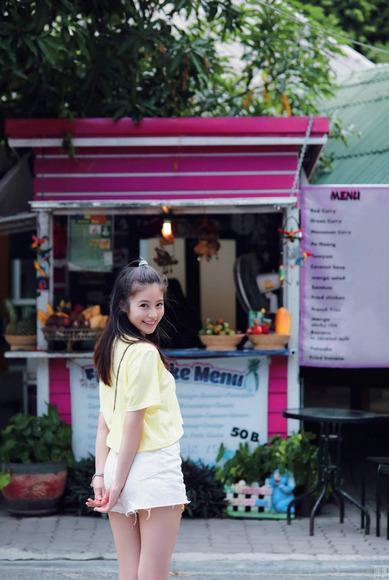 200207今田美桜のラスト水着グラビア画像005