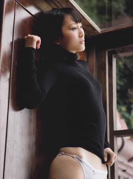 松井玲奈のセクシーグラビア005