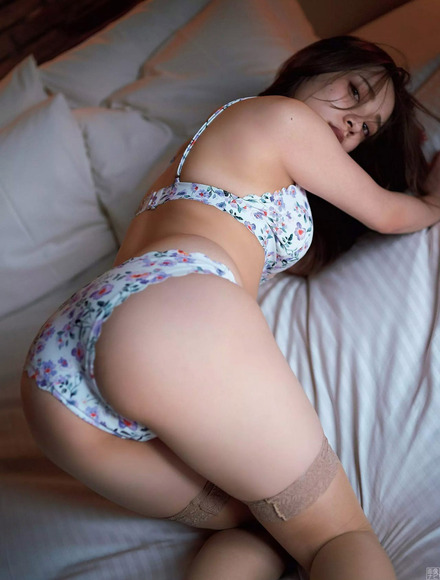 180807都丸紗也華のエロ画像009
