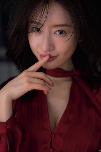 200601松本まりかのグラビア画像004
