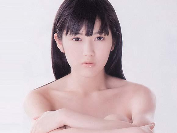 渡辺麻友のセミヌード画像