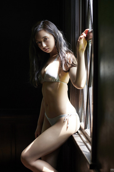 190623小宮有紗のエロ画像015