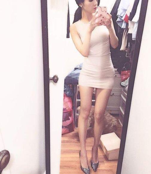 タイトドレス姿の海外美女043