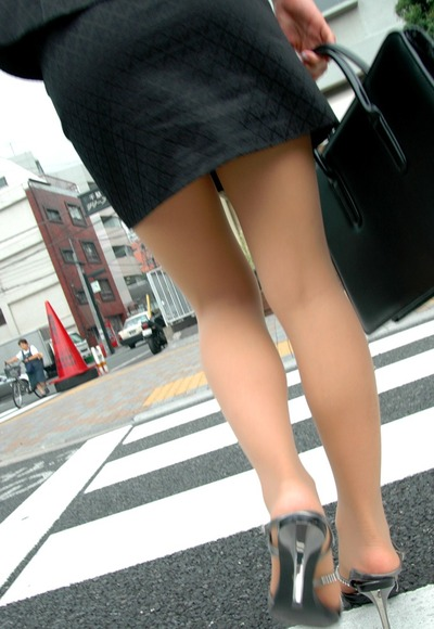 130914OLさんの脚フェチ画像008