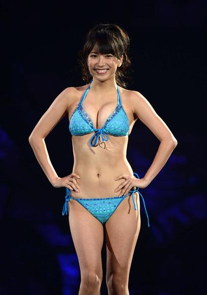 SKE48ナンバーワン巨乳!佐藤聖羅のグラビア画像008