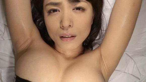 芸能人の腋フェチ画像021