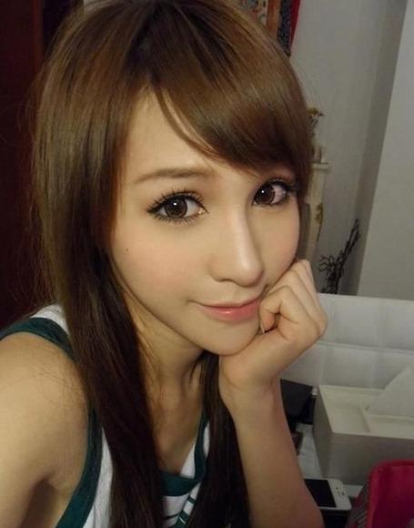 香港の超絶スレンダー巨乳美女021