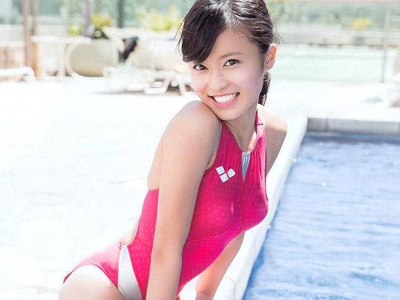 小島瑠璃子のエログラビア画像