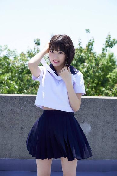 宮脇咲良040