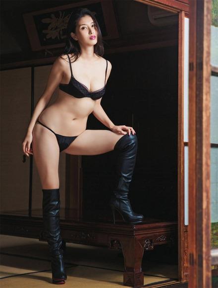 170211橋本マナミのエロ画像003