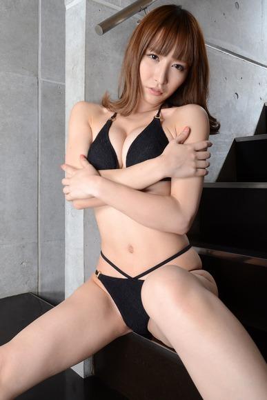抜けるアイドル023