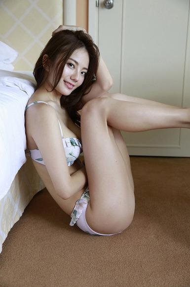 170129伊東紗冶子のエロ画像006