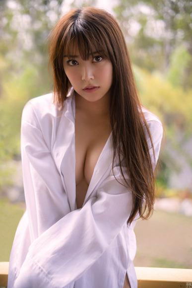 190424白間美瑠のエロ画像006