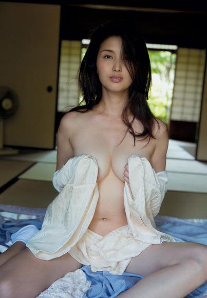 131203橋本マナミ003