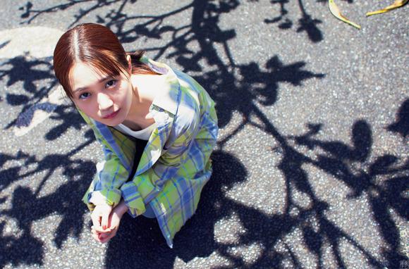 200718尾崎由香のグラビア画像015