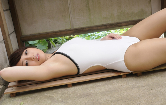 競泳水着の股間画像029