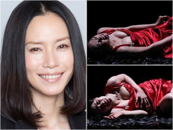熟女の魅力が凝縮された美人女優中谷美紀が舞台で巨乳丸出し状態。乳首がポロリしそう