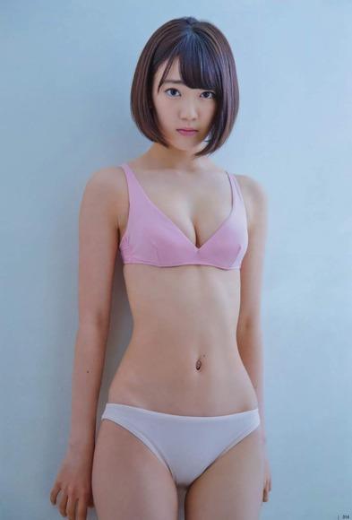HKT宮脇咲良のグラビア画像060