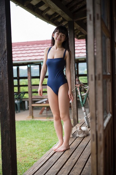 長澤茉里奈の水着画像024