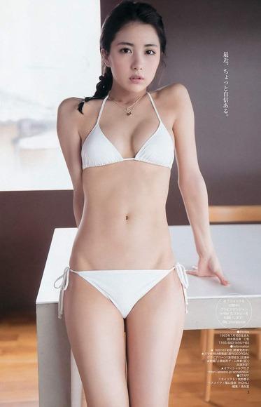 石川恋のグラビア画像045