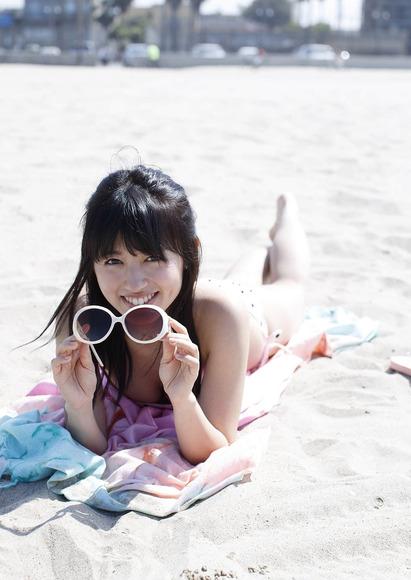 180903逢田梨香子のグラビア画像002