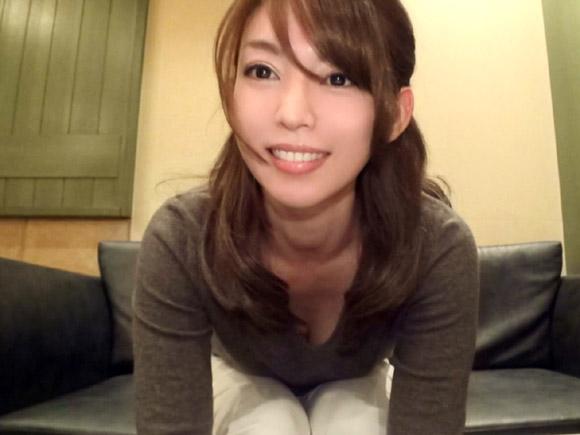27歳綺麗な人妻