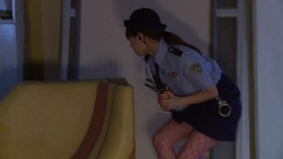 吉沢明歩の婦警コスセックス画像039