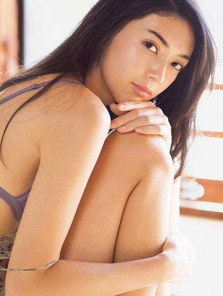 190125田中道子のエロ画像006