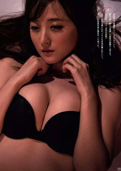 190625小松彩夏のエロ画像003