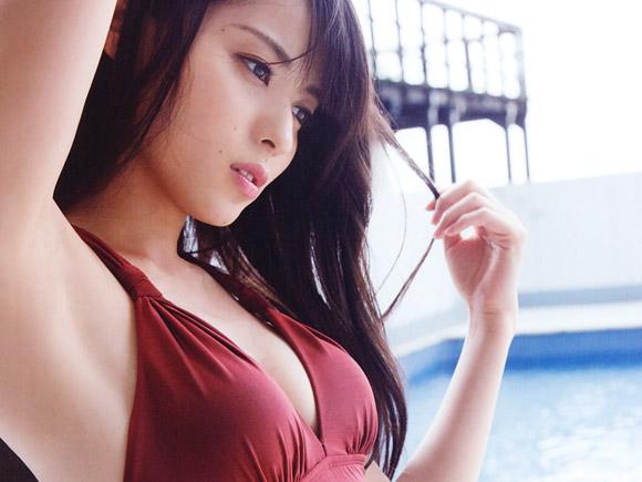 腋も綺麗なことで知られる矢島舞美