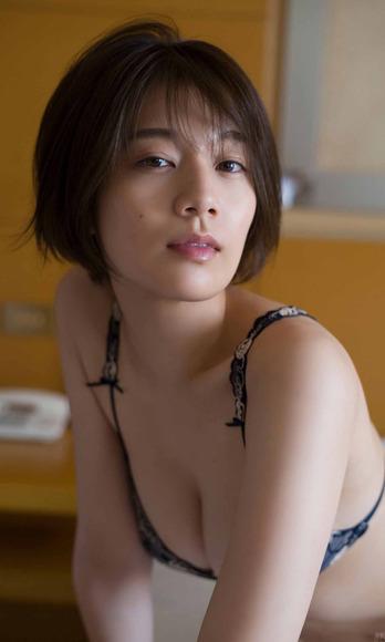 201026佐藤美希010