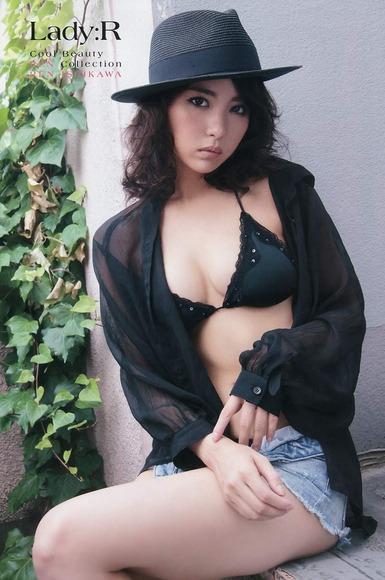 石川恋のグラビア画像028