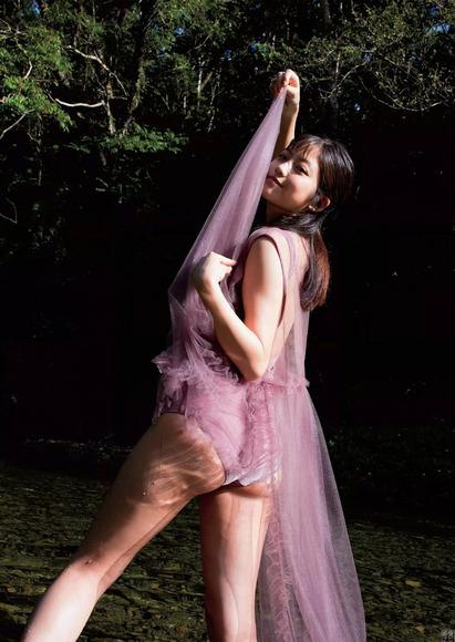 181102今田美桜のエロ画像003
