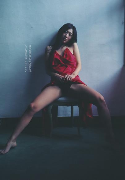 壇蜜の着衣エロス007