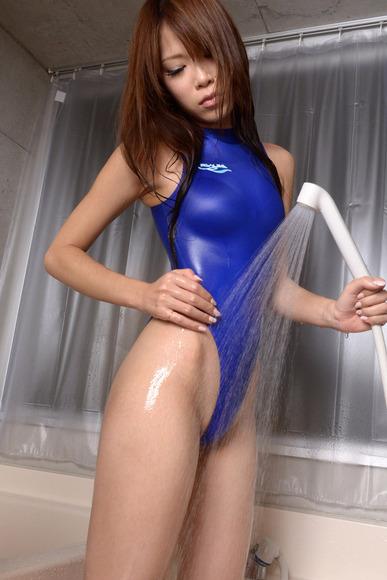 競泳水着の股間画像009