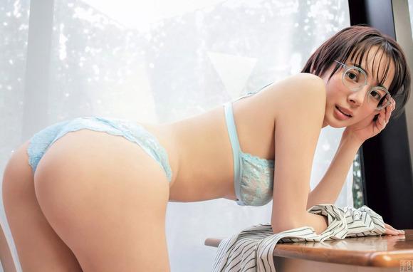 190817岡田紗佳のエロ画像024