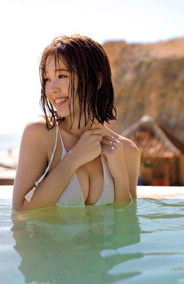 200806藤田ニコルのエロ画像005