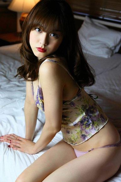杉本有美の下着姿グラビア画像001