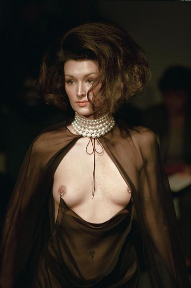 スーパーモデルの乳首チラ021
