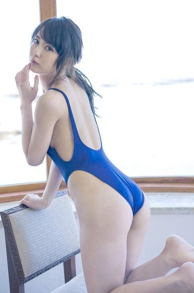 石川恋のグラビア画像084