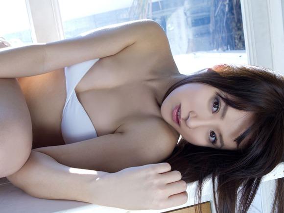抜けるアイドル025