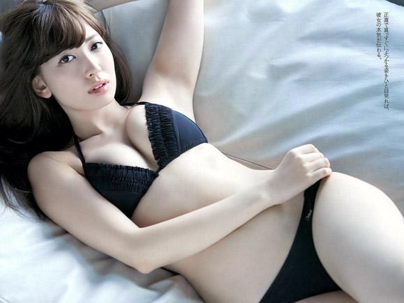 神エロ連発中の小嶋陽菜(25)がまたヤバいグラビア出してキタ━(゚∀゚)━!画像×7