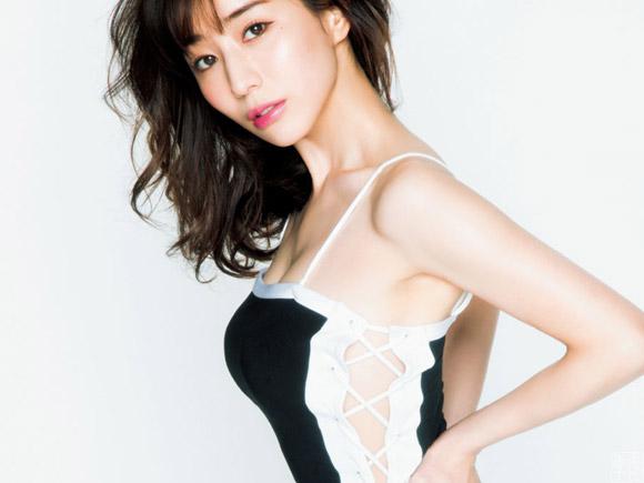 田中みな実、女性誌でまたもやエロい格好してしまう!お尻もたまんねええええ