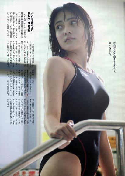 入山杏奈_グラビア013