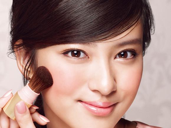 武井咲の顔アップ画像