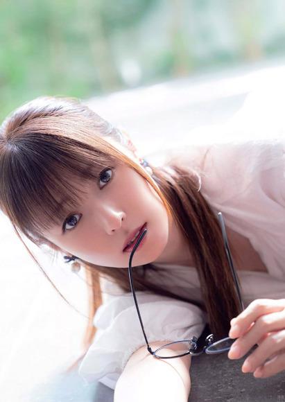 201110深田恭子002