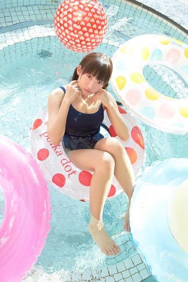 椎名ひかりのスク水グラビア画像001
